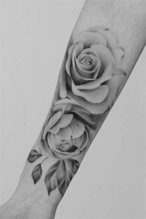 Pin by Emma :) on Seventh day studio | Rose tattoos for women, Realistic rose tattoo, Rose tattoos