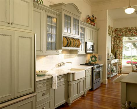 antique looking kitchen cabinets vintage style kitchen 9 fabulous vintage style kitchen 4111