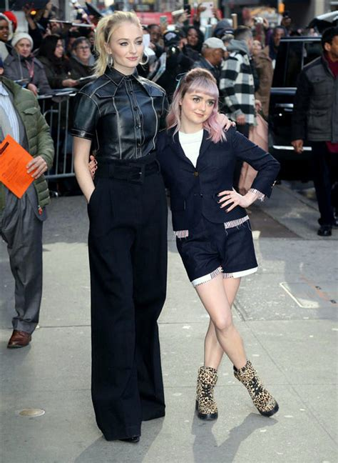 game  thrones stars sophie turner  maisie williams