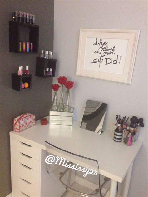 Diy Vanity Table Ikea by 25 Best Ideas About Ikea Makeup Vanity On