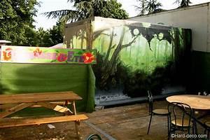 fresque sur cabanon vue au coeur d39une foret With idee deco pour maison 19 chambre cars avec circuit hard deco