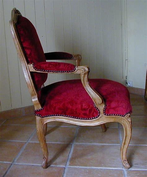 un fauteuil louis xv antiquites