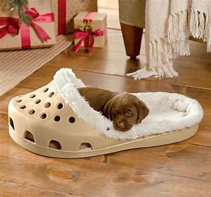 shoe shaped dog bed With non rip dog bed