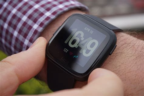 fitbit versa review health smartwatch and fitness tracker tech advisor
