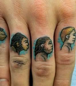 Tatouage Sur Doigt : photo tatouages sur les doigts l 39 volution en marche de l 39 homme pr historique l 39 homme moderne ~ Melissatoandfro.com Idées de Décoration