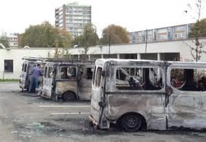 si鑒e social nord pas de calais hem une voiture bélier en flammes lancée contre la façade d 39 un centre social 3 nord pas de calais