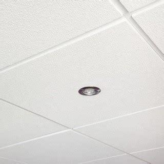 fixer un faux plafond en dalles amovibles maisonbrico
