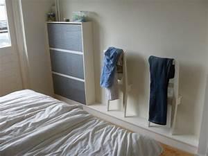 Chevalet De Chambre : un valet de chambre chaise bertil ~ Teatrodelosmanantiales.com Idées de Décoration