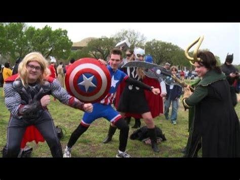 la carica dei supereroi centinaia  cosplay  washington