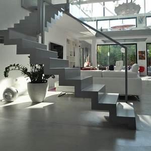 Habiller Un Escalier En Béton Brut : escalier en b ton sculptural au milieu de l 39 espace escalier escaleras planos de casas et casas ~ Nature-et-papiers.com Idées de Décoration