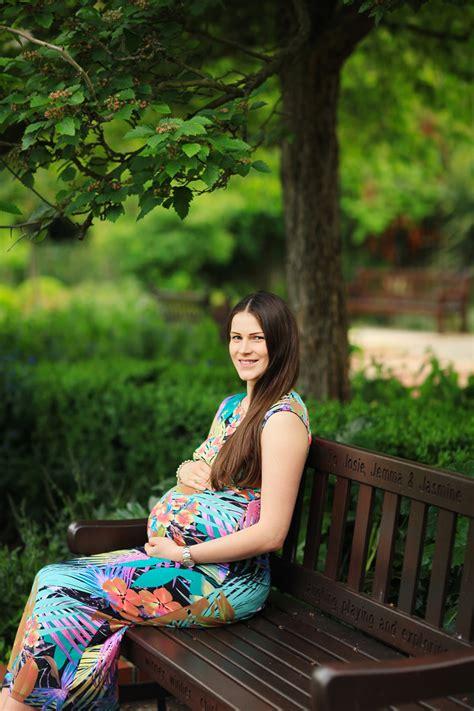 pregnancy photoshoot  holland park london margarita karenko photography