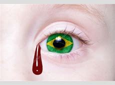 olho humano com a bandeira nacional do Brasil, com