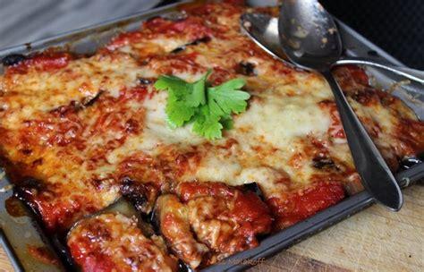 cuisine syrienne aubergine aubergine griller caviar d 39 aubergine sur lit de chakchouka cardamome mtabbal ou caviar d
