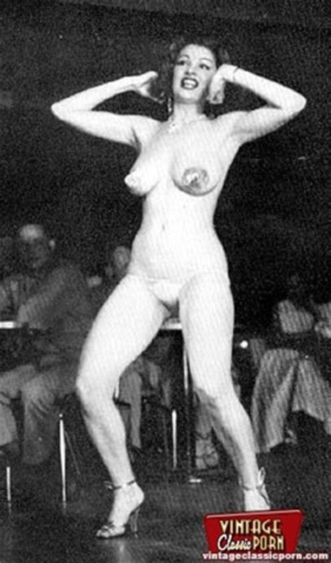 Vintage Classic Babe Tempest Storm Poses In The Fifties Xxx Dessert