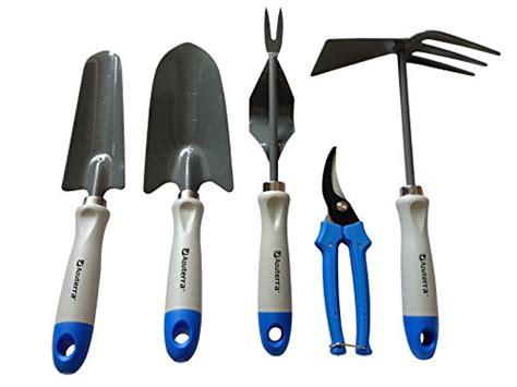 must garden tools must gardening tools for the beginning gardener