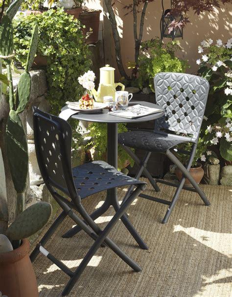 comment am 233 nager un petit jardin 4 pieds tables chaises et tabourets