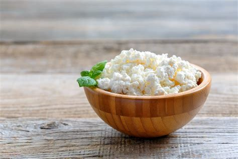 what do you eat cottage cheese with 10 foods you can eat a lot of without gaining weight