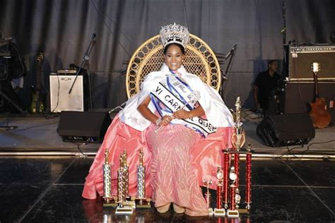 sence watley crowned  st thomas carnival queen
