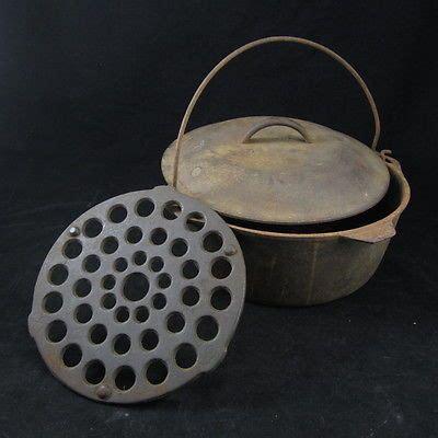 antique  lb cast iron soup bean dutch oven pot  lid
