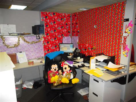 easy cubicle decorating ideas decorating office cubicle doors pleasing