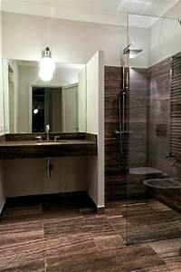 salle de bain travertin la beaute de la pierre de tivoli With salle de bain design avec lavabo pierre bleue