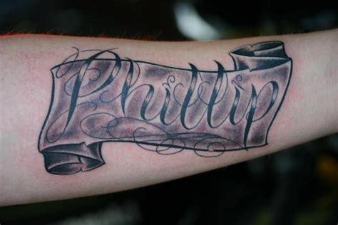 Schriftbanderole Unterarm
