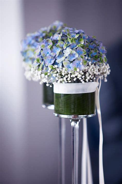 blue flowers ceremony dekoration mit blauen hortensien