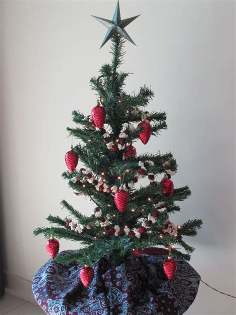 8 distinct and fabulous christmas tree styles