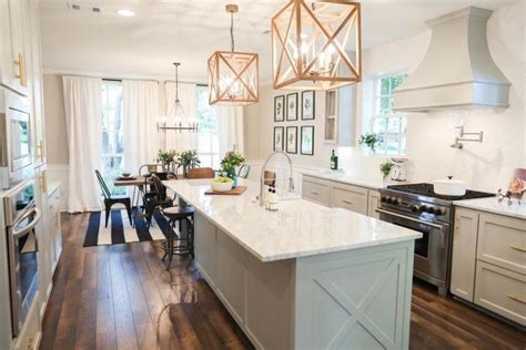 Lighting For 9ft Kitchen Island Cleaning Oak Kitchen Cabinets Used Ottawa Yellow Walls White Windsor Ontario Cabinet Guide Wood Pantry For Floor Ideas With Open
