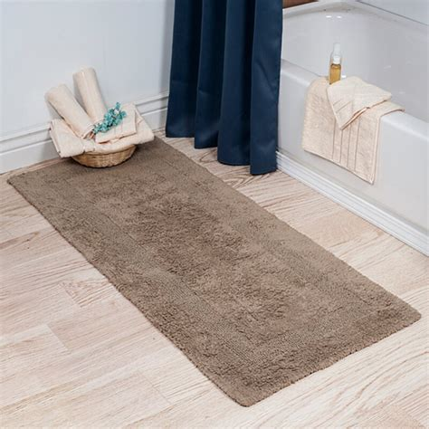 darby home  baysview extra long reversible bath rug