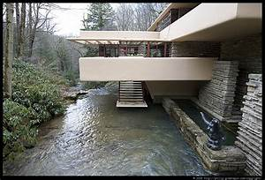 Photograph by Philip Greenspun: fallingwater-03
