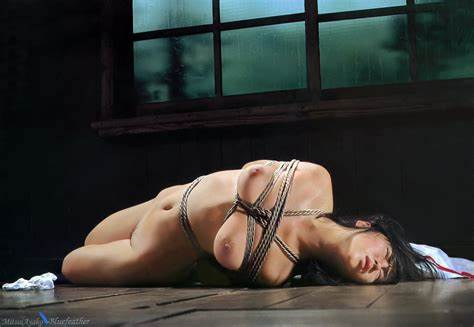 Drunked Up Alluring Hanging On A Rope Submission Playing
