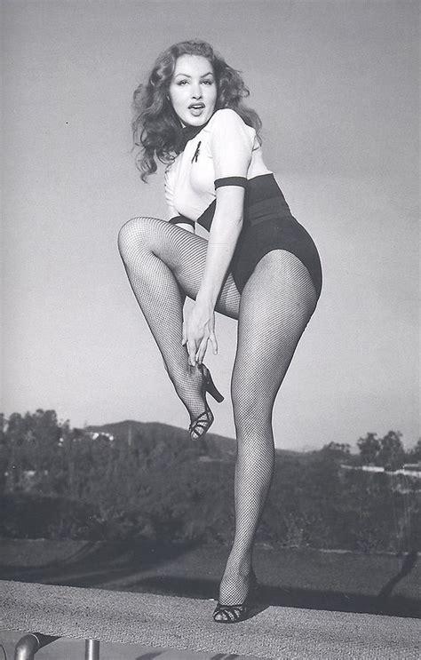 Pin Up Vintage Julie Newmar Vintage Pinup Girl Julie