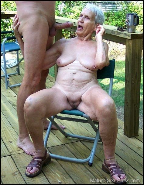 Crazy Granny Naked Outdoor Need An Hard Dick Mature Sex