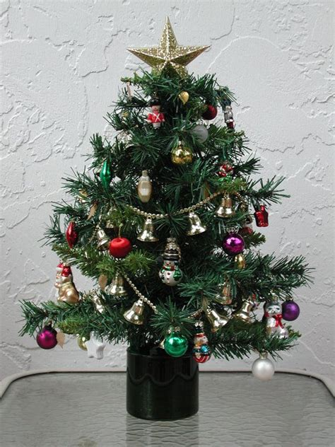 fully decorated tabletop christmas trees wwwindiepediaorg
