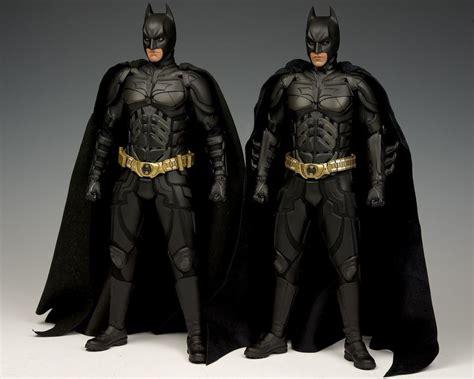 hot toys  dark knight alfred  batman armory