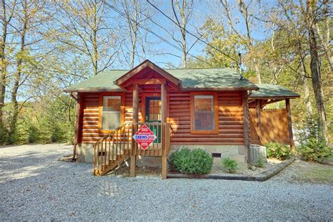 1 Bedroom Cabins In Pigeon Forge Tn by Cabin For Rent Near Dollywood Pigeon Forge Area