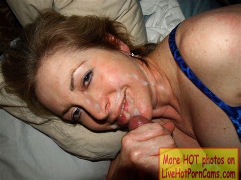 Mature Amateur Milf Sucking Hard And Getting A Cum