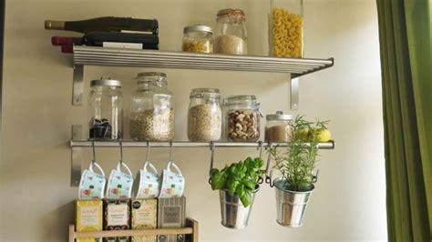 cuisine etagere murale déco murale cuisine ou comment rendre sa cuisine plus