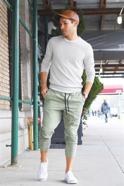 Menu0026#39;s Outfit with Jogger Pants- 30 Ways to Wear Jogger Pants