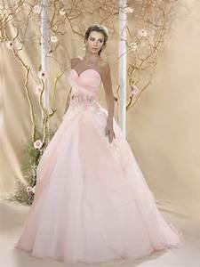 Brautkleid Mit Farbe : farbige brautkleider f r die extravagante braut braut tempel ~ Frokenaadalensverden.com Haus und Dekorationen