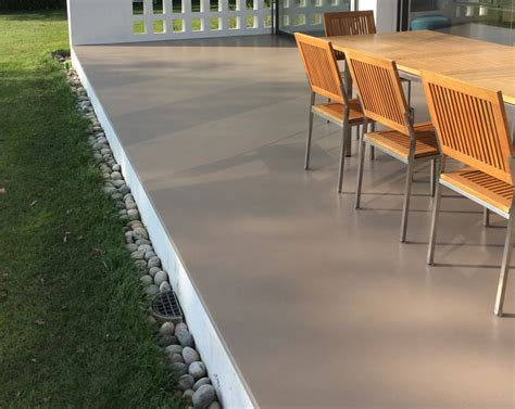 resine per terrazzi esterni pavimenti per esterni in legno gomma e resina