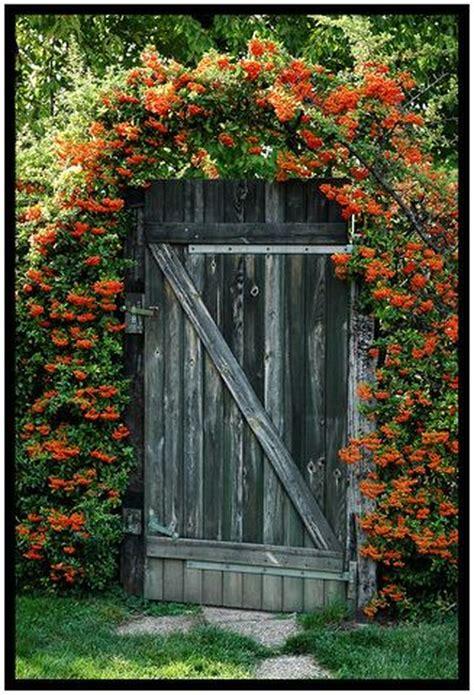 inspiring rustic garden gates design  hoommycom