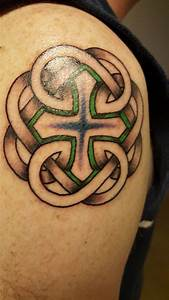 Best 25+ Celtic knot tattoo ideas on Pinterest | Irish symbols and meanings, Celtic symbols and ...