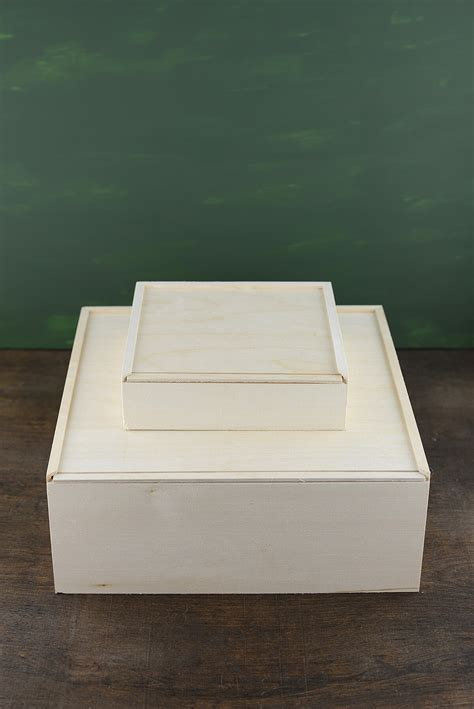 wood box  sliding lid