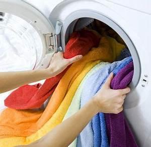Stinkende Waschmaschine Reinigen : w sche m ffelt oder riecht obwohl frisch gewaschen umweltschonend pinterest haushalts ~ Orissabook.com Haus und Dekorationen
