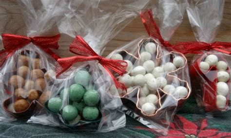 how to make christmas cookie candy cutter treat bags