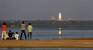 India Launches Country's First Reusable Carrier Rocket ...
