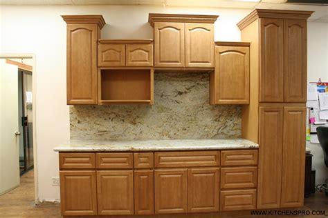 golden oak kitchen cabinets golden oak kitchen cabinets kitchen design ideas 3858