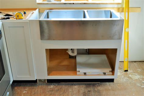 apron sink base cabinet diwyatt adjusting the apron sink base before